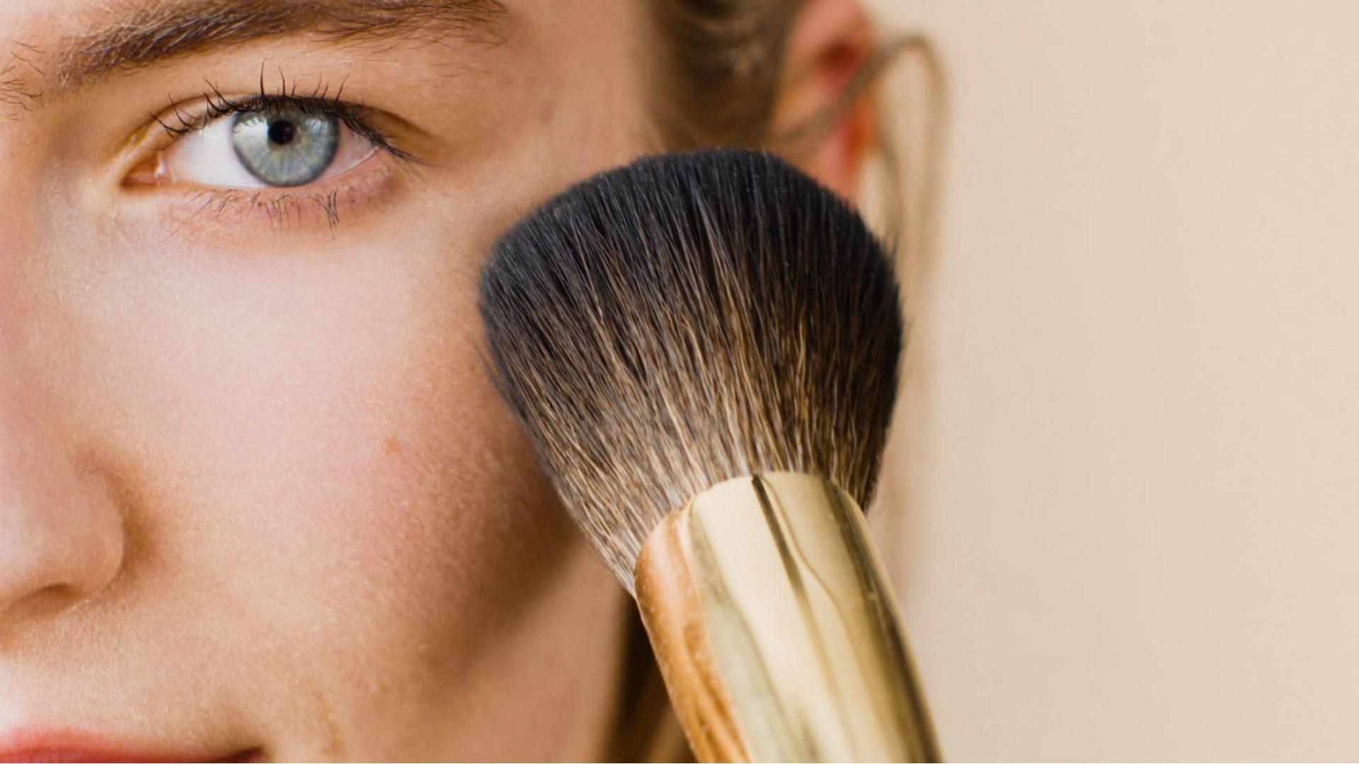 Σας παρουσιάζουμε τα vegan, cruelty-free πινέλα μακιγιάζ της Lush